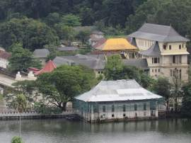 Golden-Roof-Temple-of-the-Tooth-Kandy